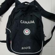 Roots Canada黑色後背包