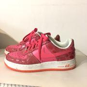 Nike Air Force 紅色斑點