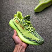Adidas Yeezy Boost 350 V2 「Fluorescent green」   情侶款