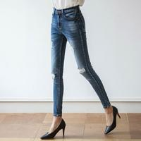 (Korean product c030) dark span dark relief skinny jean (woman trendy clothing fashion)